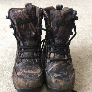 Waterproof camouflage boots.  Smoky mountain brand